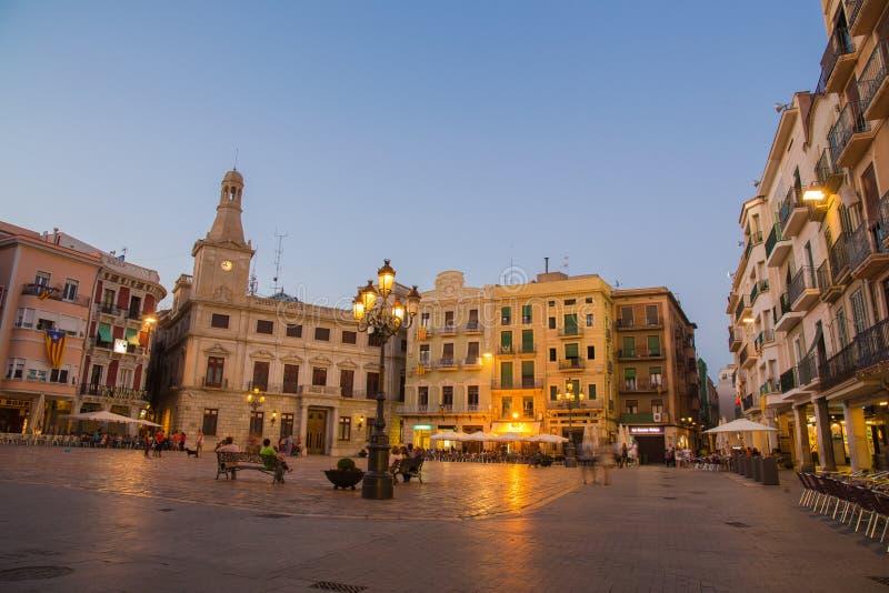 Plaça del Mercadal de la opinión de la tarde de Reus fotografía de archivo