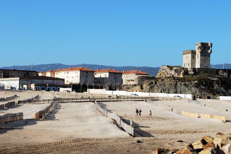 Plaży i St Catherines kasztel, Tarifa, Hiszpania obrazy royalty free