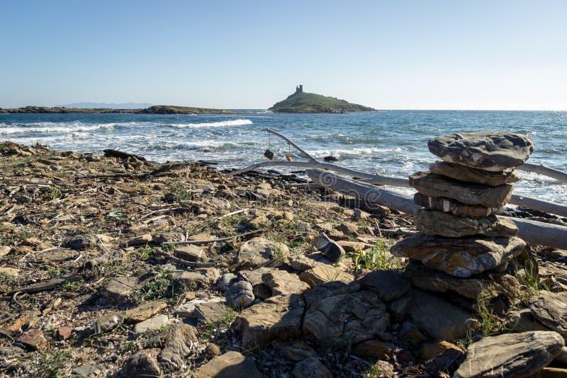 Plaża Corsica, z genoese wierza w tle obraz stock