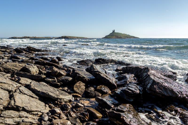 Plaża Corsica, z genoese wierza w tle fotografia stock
