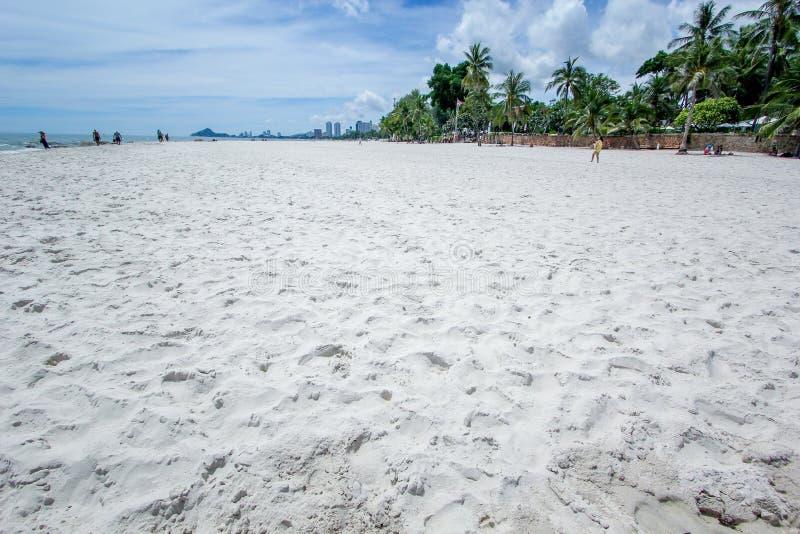 Plaża i morze z niebem zdjęcia royalty free