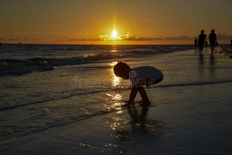 Plaża i zmierzchu niebo zdjęcie royalty free