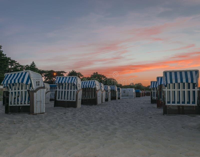 plaża nad zmierzchem zdjęcie stock