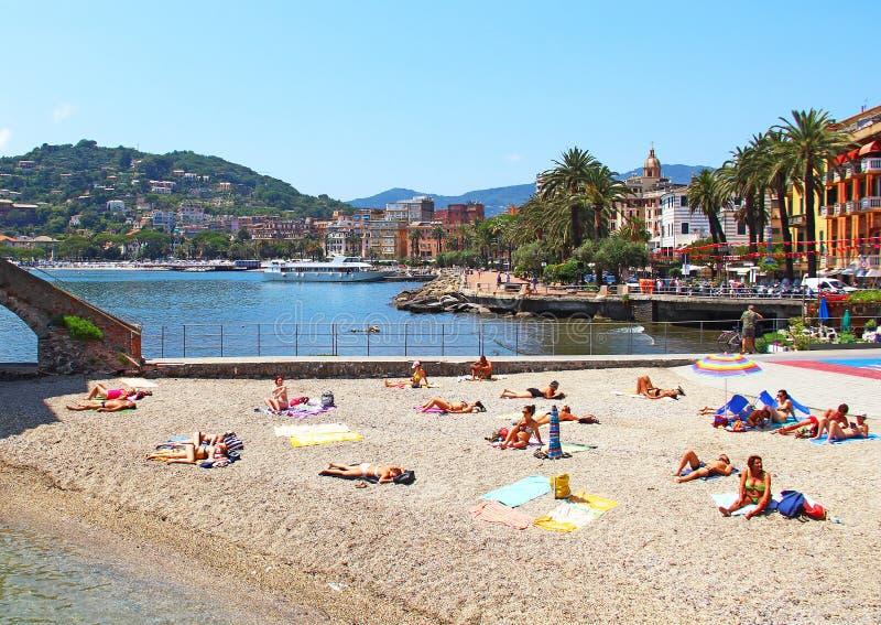 Plaża w Rapallo, Włochy obraz stock
