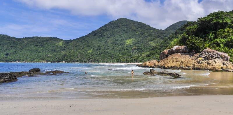 Plaża w Trinidade, Paraty, Brazylia fotografia stock