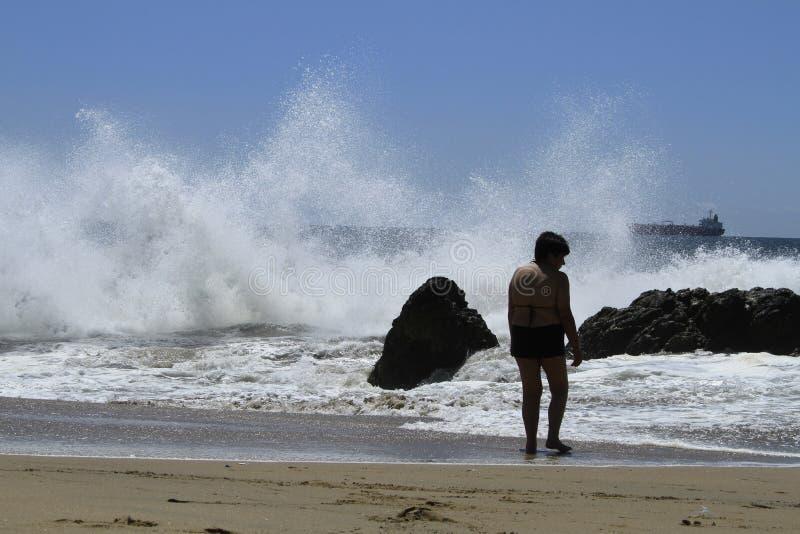 Download Plaże Valparaiso, Vina Del Mącący, Chile Obraz Stock Editorial - Obraz złożonej z kobieta, america: 57673249