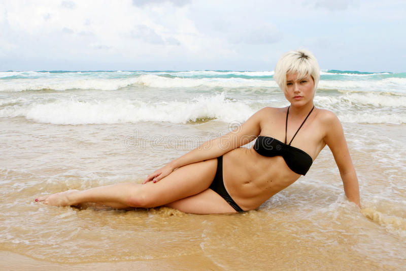 plażowa blond kobieta fotografia royalty free