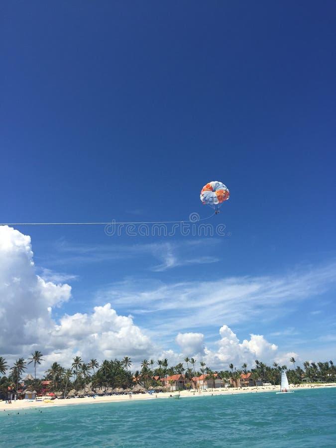 Plażowa Parasail republika dominikańska obraz stock