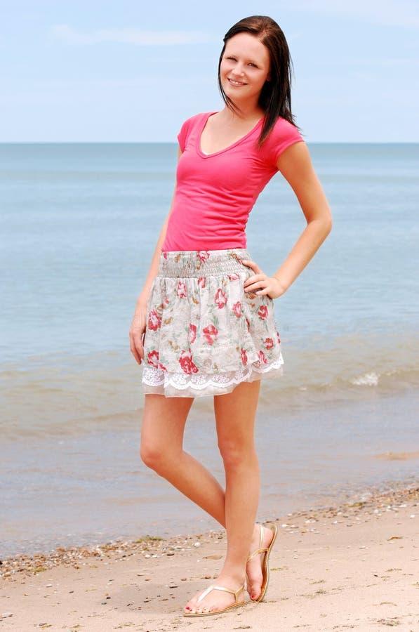 plażowa uśmiechnięta kobieta obraz stock