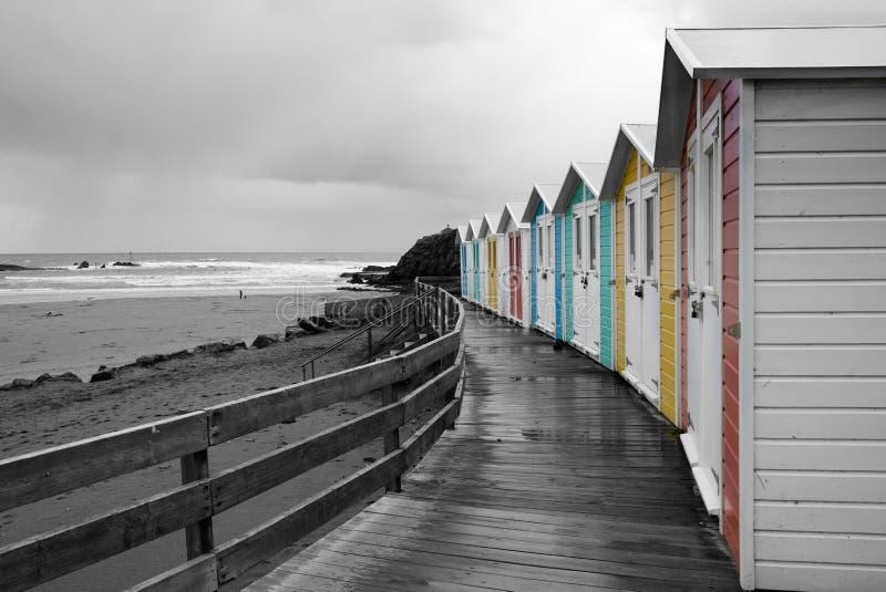 Plażowe budy, monochrom obraz stock