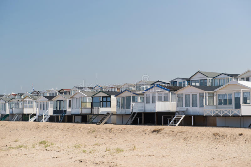 Plażowe budy w Holandia zdjęcia royalty free