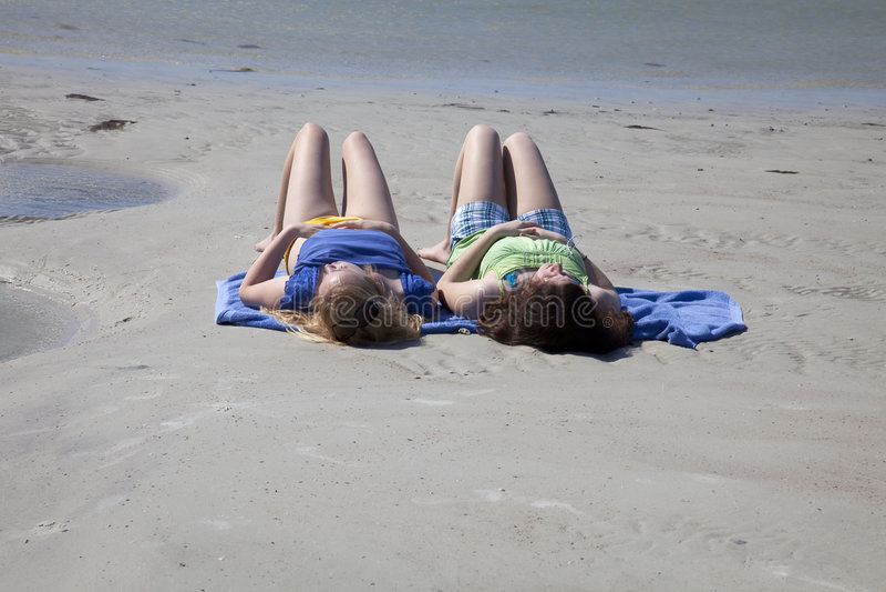 plażowe dziewczyny nastoletni dwa obraz stock