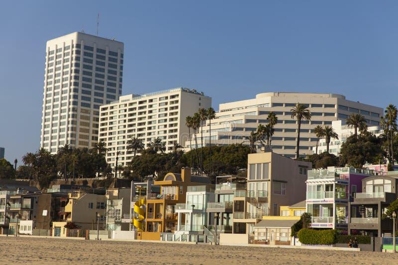 Plażowe frontowe własność wzdłuż Snata Monica wybrzeża. fotografia royalty free