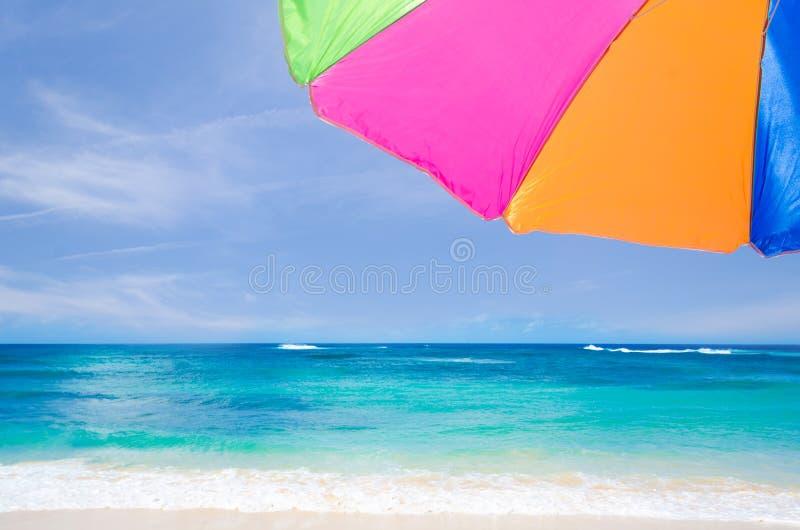 Plażowego parasola tło obraz stock