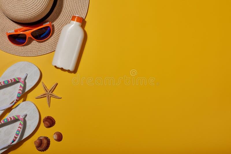 Plażowi akcesoria, morze wakacje zdjęcia royalty free