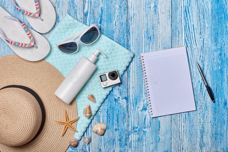Plażowi akcesoria, Planuje wakacje zdjęcie stock