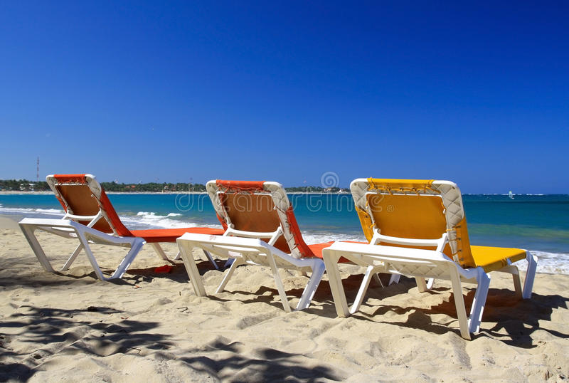 plażowi cabarete bryczki longues fotografia stock