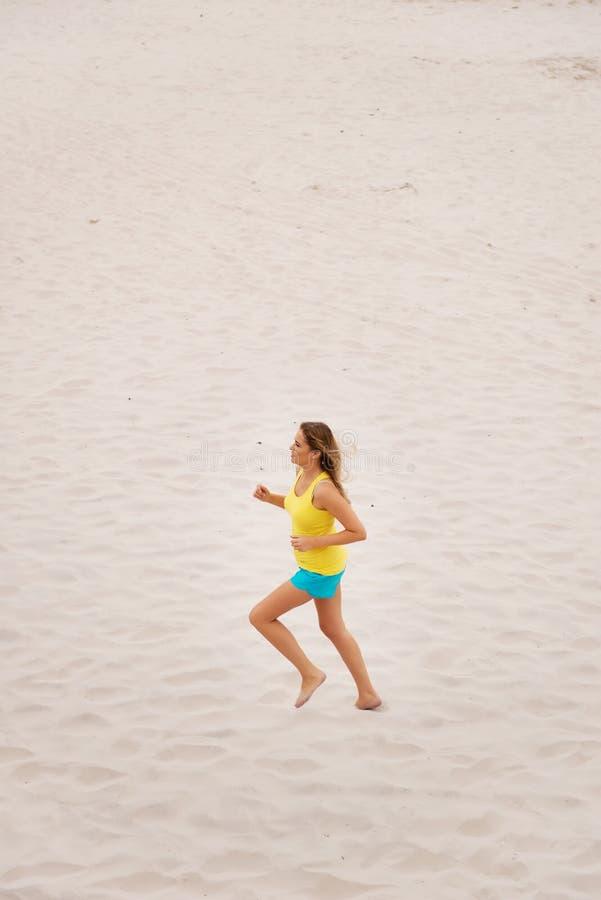 plażowi młodych kobiet kończy zdjęcia stock