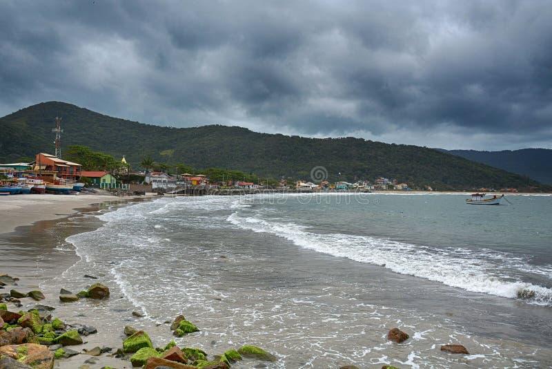 Plażowy armacao armação, Florianopolis, Brazylia fotografia stock