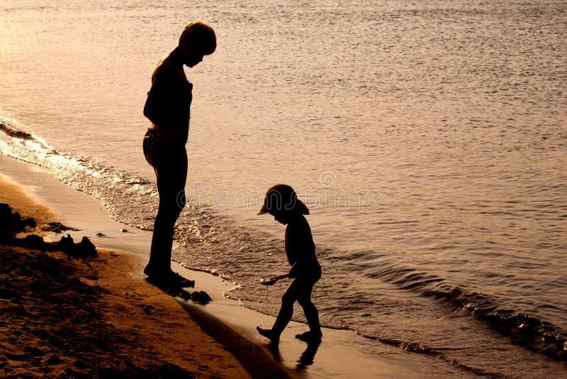 plażowy bawić się rodziny obraz stock