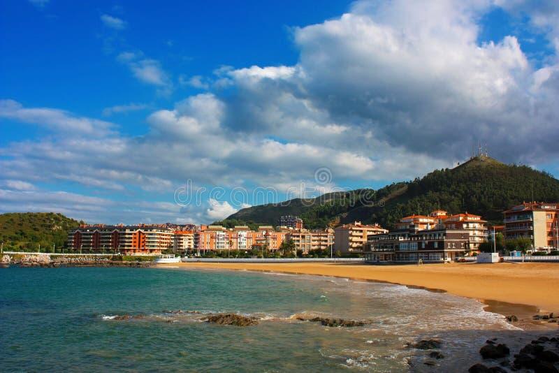 Plażowy Brazomar w Castro Urdiales, Cantabria, Hiszpania zdjęcie stock