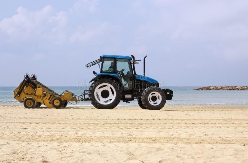 Plażowy czyści wyposażenie czyści piasek na plaży obraz royalty free