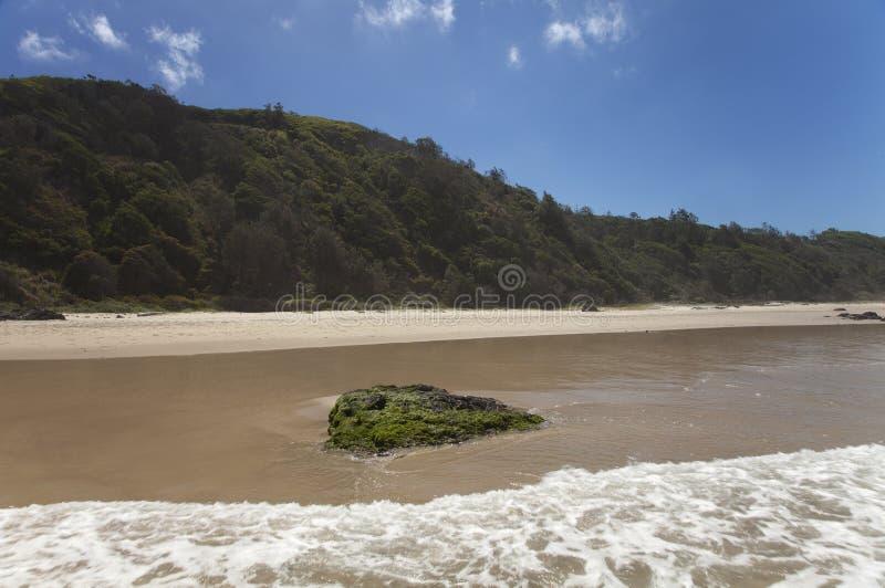 Plażowy Halny niebieskie niebo fotografia royalty free