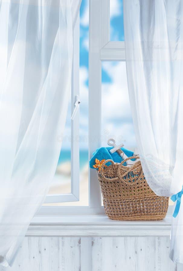 Plażowy kosza Wciąż życie zdjęcia royalty free