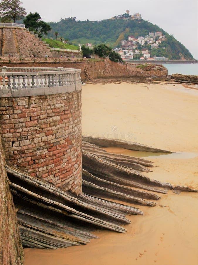 plażowy taras San Sebastian w Hiszpania zdjęcie stock