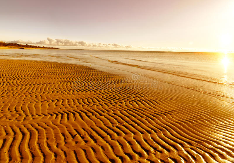 plażowy złoty piasek zdjęcia stock