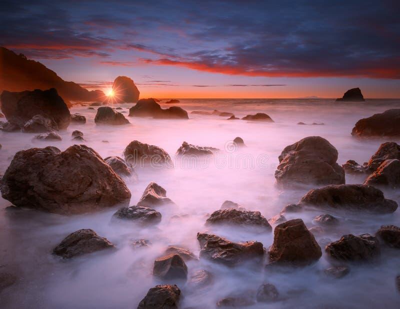 Plażowy zmierzch przy San Fransisco zdjęcie stock