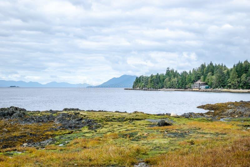 Plaży i nabrzeża widok w Ketchikan, Alaska obrazy royalty free