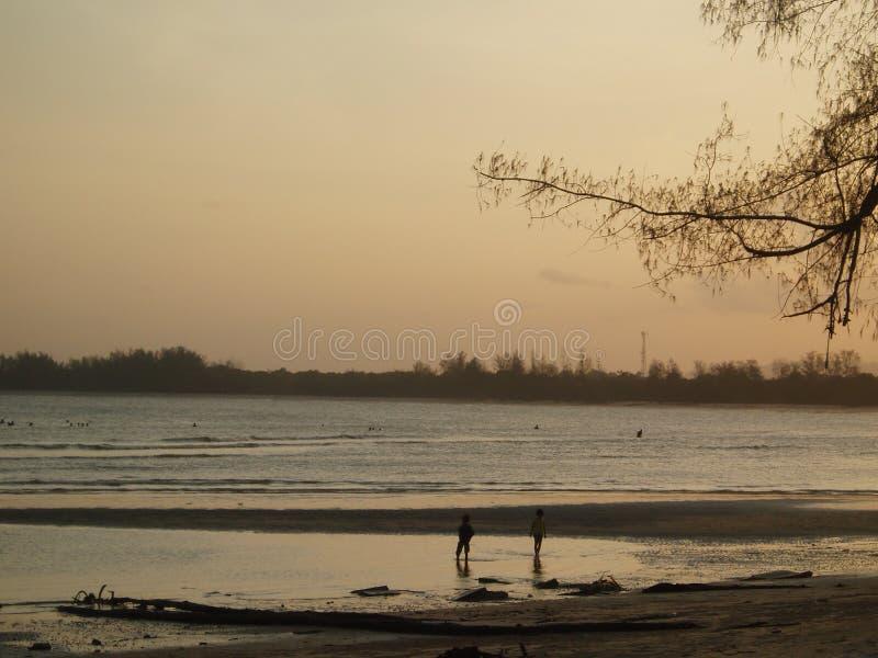 Download Plaża obraz stock. Obraz złożonej z chmura, ocean, piasek - 125451