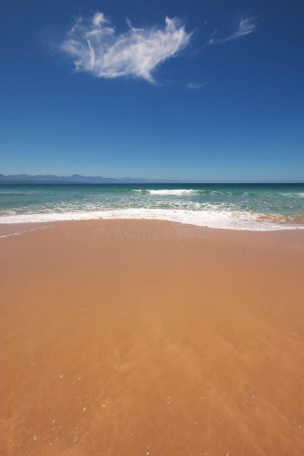 Download Plaża zdjęcie stock. Obraz złożonej z słońce, naturalny - 13327618