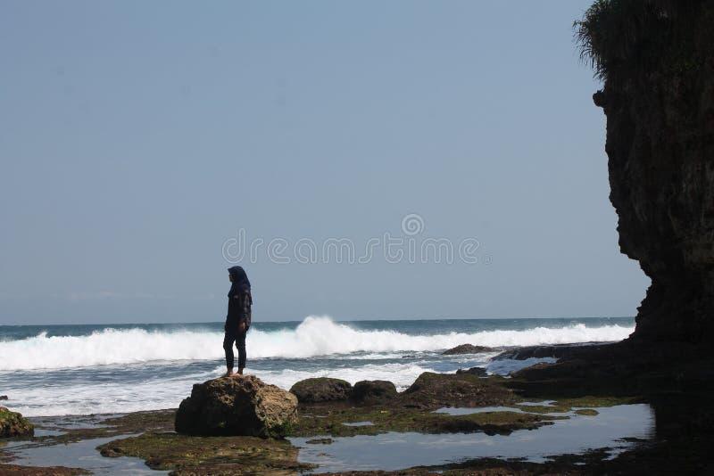 Download Plaża obraz stock. Obraz złożonej z błękitny, ocean, morze - 57666223