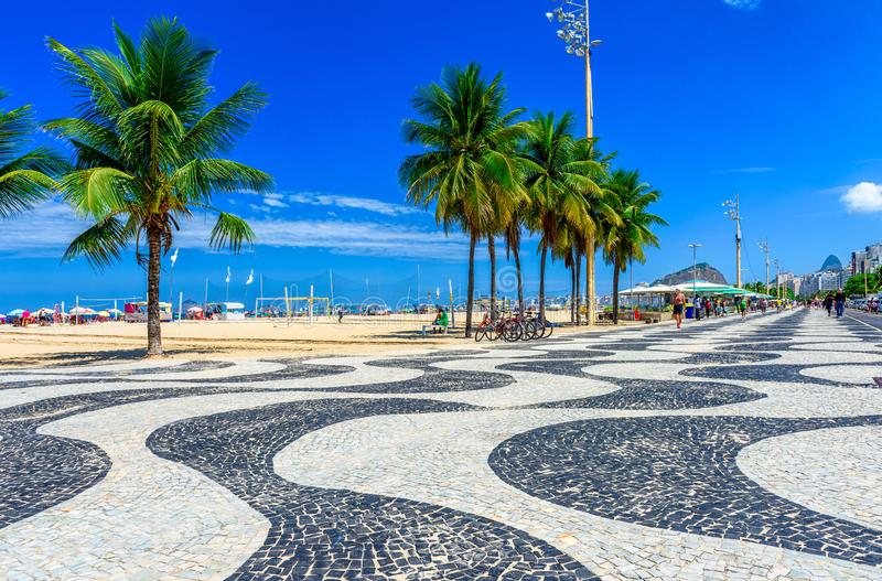 pla?owy Brazil Copacabana De Janeiro mozaiki palm Rio chodniczka widok fotografia stock