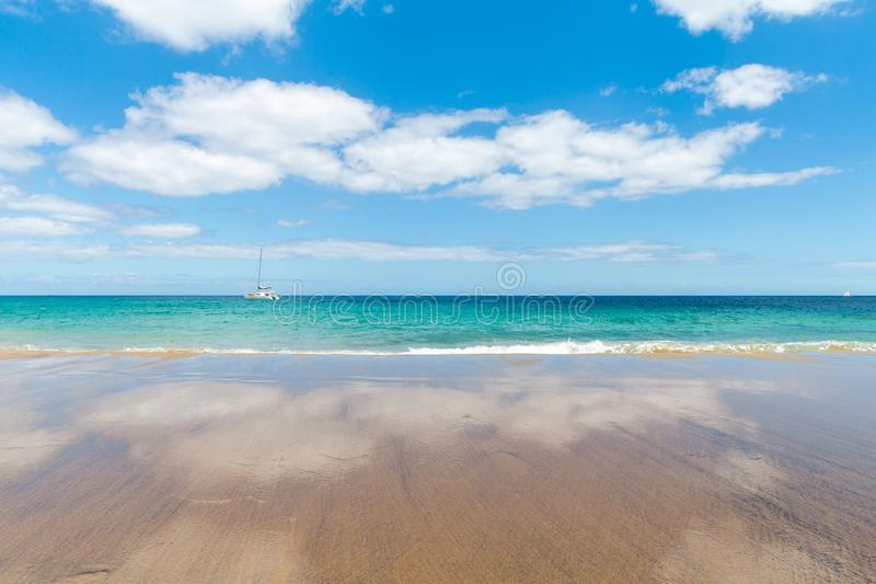pla?owy pi?kny kanark?w Lanzarote panoramy morze tropikalny kanarki obraz stock