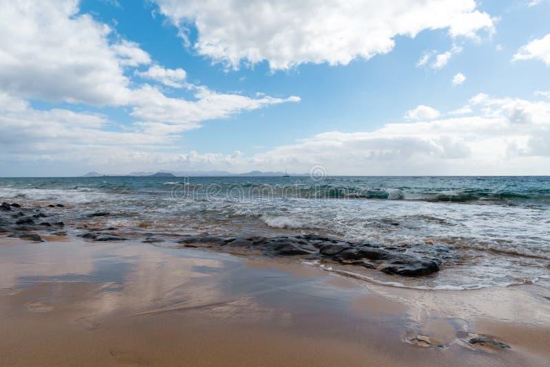 pla?owy pi?kny kanark?w Lanzarote panoramy morze tropikalny kanarki obrazy royalty free