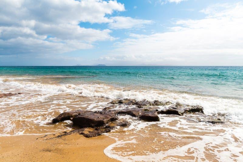 pla?owy pi?kny kanark?w Lanzarote panoramy morze tropikalny kanarki zdjęcie stock