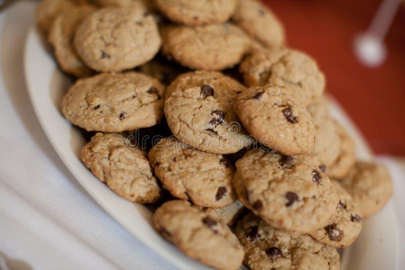 Plaat van Chocolade Chip Cookies royalty-vrije stock foto