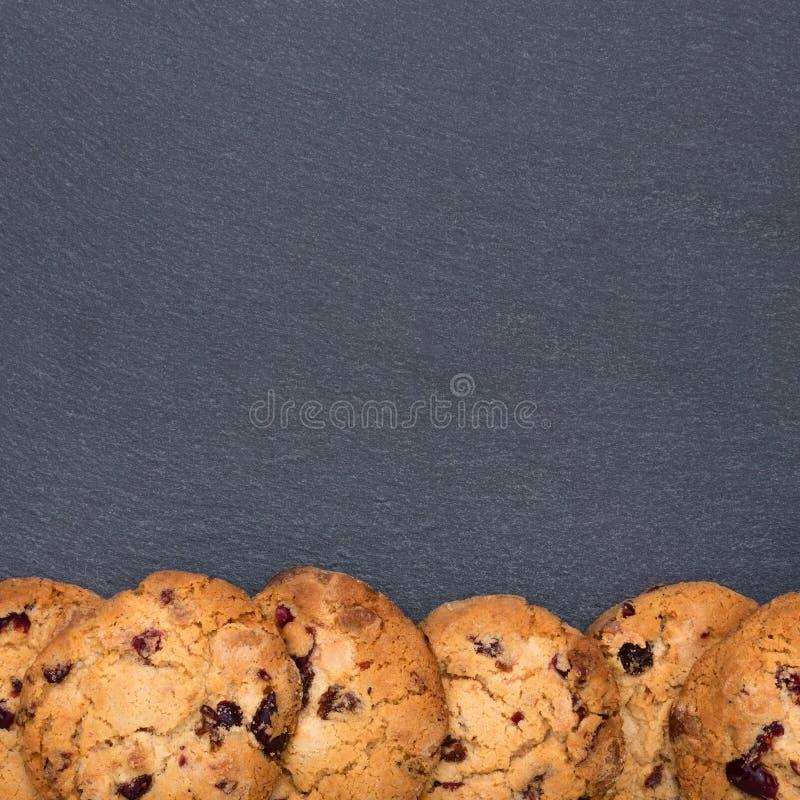 Plaat van lei met koekjes royalty-vrije stock fotografie