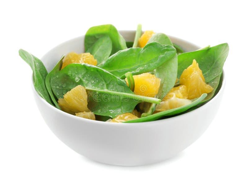 Download Plaat Van Salade Met Spinazie En Sinaasappel Stock Foto - Afbeelding bestaande uit plaat, groen: 107703118