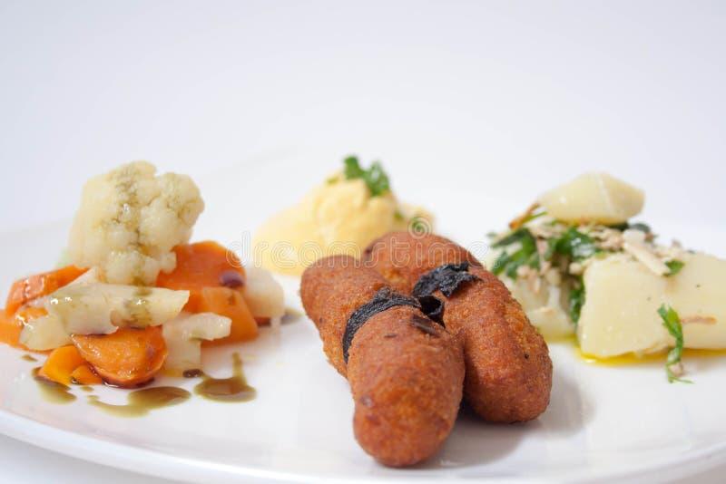 Plaat van vegetarisch voedsel stock afbeelding