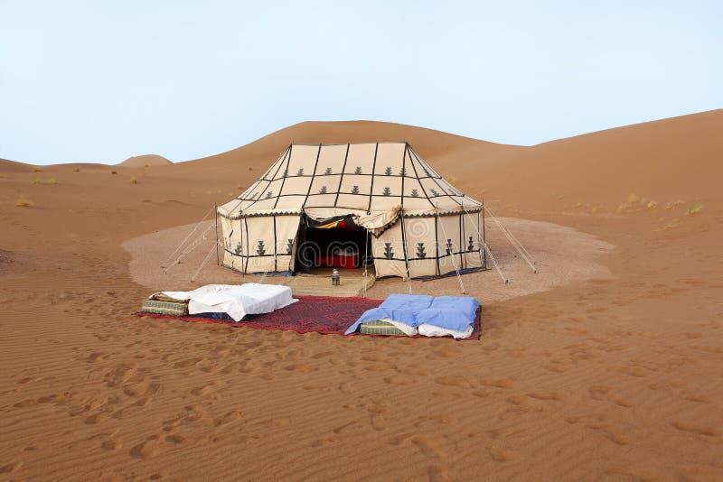 Plaats aan slaap in de woestijn stock afbeeldingen