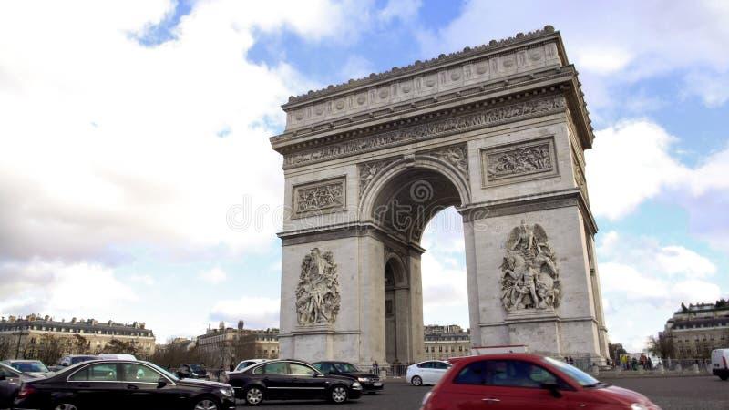 Plaats Charles de Gaulle met mooi Arc de Triomphe in centrum, de gezichten van Parijs royalty-vrije stock afbeelding