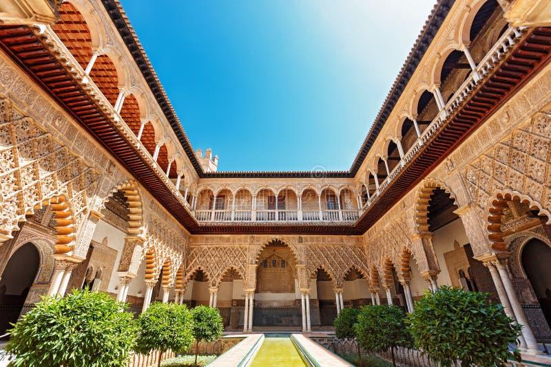 Plaats van Alcazar in Sevilla stock fotografie