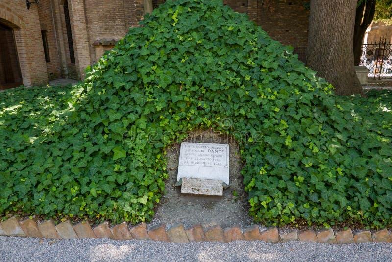 Plaats waar de beenderen van Dante tijdens de Tweede Wereldoorlog in de stad van Ravenna in Itali? rustten stock fotografie