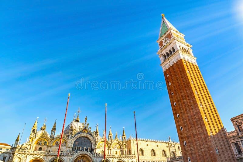 Plac św. Marka w Wenecji, bazylika i wieża fotografia stock