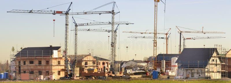 Plac budowy wiele domy w skorupy budowie zdjęcie stock