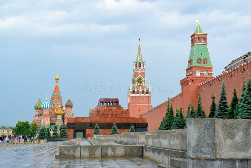 Plac Czerwony, mauzoleum, St basilu ` s katedra, Kremlowski Spasskaya wierza obraz royalty free